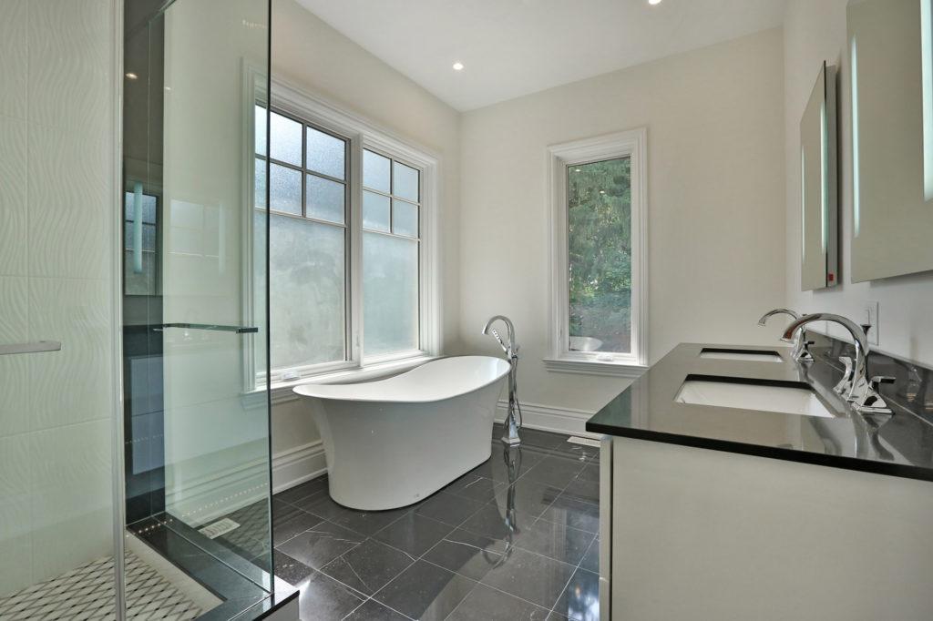 GC Construction Custom Kitchens Baths Serving Oakville - Bathroom remodeling mississauga